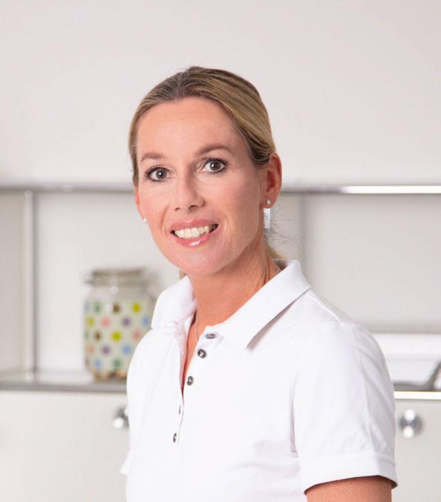 Dr. Barbara Vill